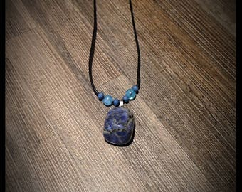 the sodalite stone necklace