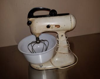 Vintage 1940 Kitchenaid Stand Mixer 3A with Bowl and Attachment