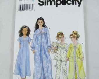 Girl's Pajamas, Nightgown and Robe, Simplicity 8488 - Uncut