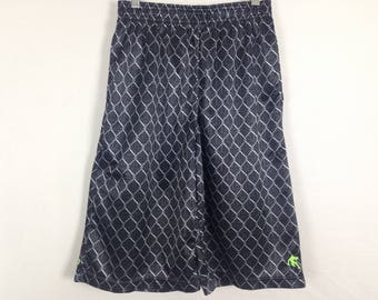 Chain link fence shorts size M