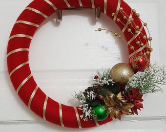 Christmas Yarn Wreath, Front Door Decor