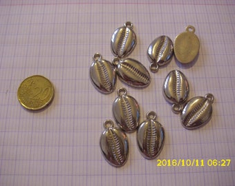 set of 10 imitation metal shell charms