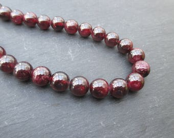Almandine Garnet: 1 set of 4 round beads 8 mm