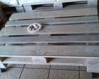 Coffee table on swivel wheel Europe pallet wood