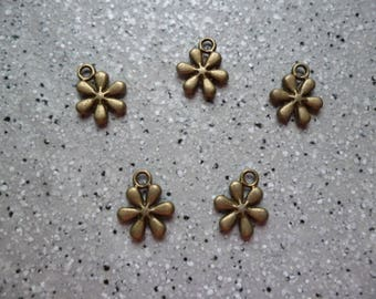 5 charms 10 x 12 mm metal bronze