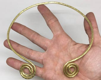 Choker hammered brass necklace