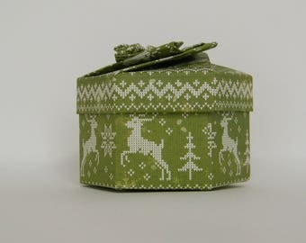 "Origami box, Hexagon, ""Christmas sweater"""