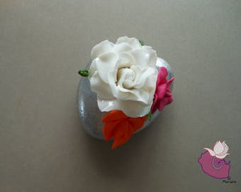 PEBBLE 02 - PORCELAIN AND POLYMER CLAY FLOWERS