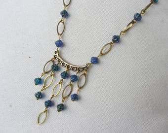 necklace, retro blue glass beads of Bohemia and shuttle bronze metal, antique gold, simple and elegant blue and bronze necklace