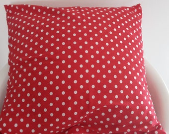 Red polka dot pillow cover; 40 x 40 cm