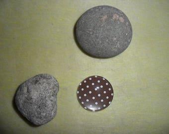 Brown polka dot brown glass cabochon, 14 mm round