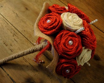 Great bunch of flowers in red and off white burlap
