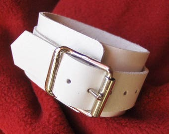 White Leather Buckle bracelet