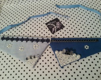 jewel neck collar short blue and white