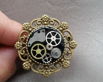 "Bronze Retro resin ring with ""Steampunk"" gears"