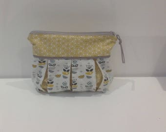 Bag, clutch bag with piping