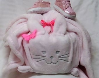 Baby girl pink shoes and cat diaper cake