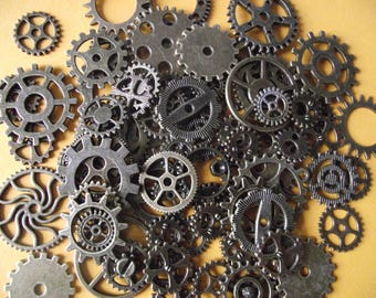 Set of 20 watch gears, steampunk, bronze color.