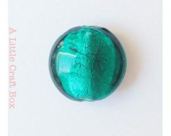 2 flat 2cm - green Round Lampwork beads