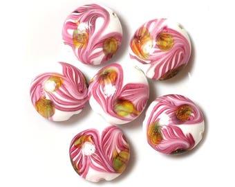 2PC - pucks 25mm Green Rose leaves 4558550038159 white glass beads