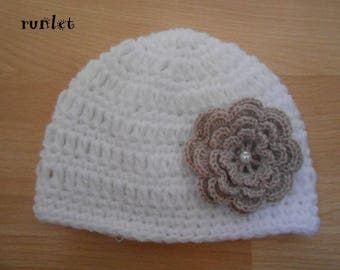 Wool crochet Hat baby girl with white flower