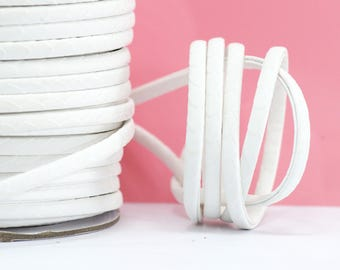 1 M - cord imitation leather Imitation skin - width: 5 mm / Ep. : 2 mm - snow white color