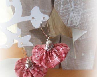 BO FANCY GRAPHIC FABRIC ROSE AND CHARMS