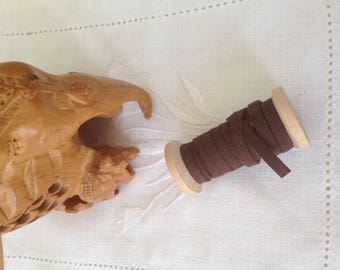 CHOCOLATE SUEDE CORD WOOD SPOOL