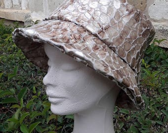rain hat gold scales