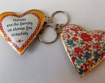 """Keychain Friends """"friends are family we choose for ourselves"""""""