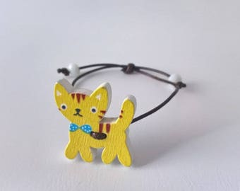 """Little yellow cat & pearls"" bracelet"