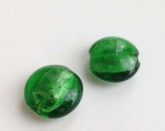 105 / LOT 2 WAFER GREEN GLASS LAMPWORK BEADS SILVER