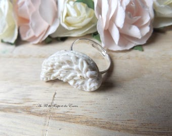 Little wing ring white