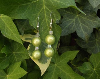 Earrings green pearls