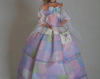 Beautiful long dress has ruffles (B137)