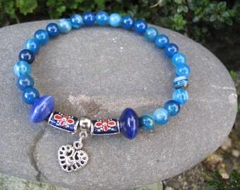 Blue agate and heart beaded bracelet