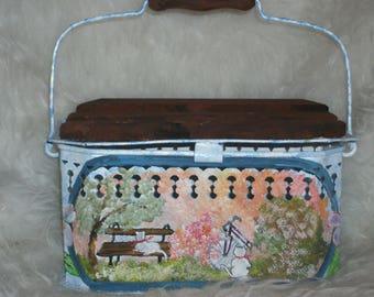 Vintage: paint on old * heater *.