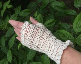 Ecru crocheted lace fingerless gloves