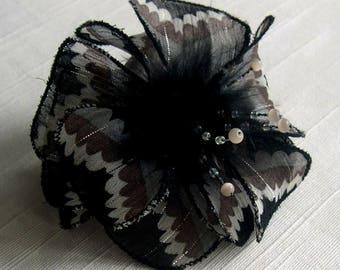 Small hair clip flower fabric & feathers and pearls 007