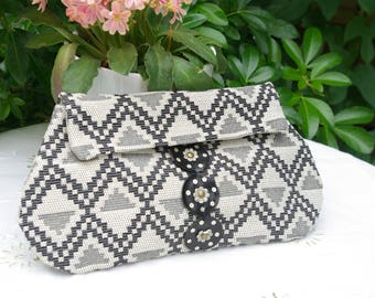 Clutch bag in ecru and black jacquard cotton