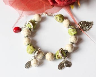 Stone howlite charm bracelet