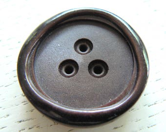 Brown vintage button from 50-70 diam37mm acrylic