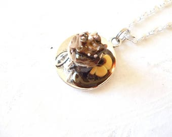 "Pendant Necklace: gourmet plate ""tea time no. 8"""