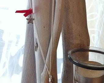 Apple necklace with red love love