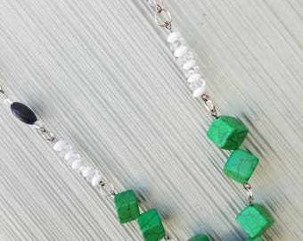 Green cubed pearl stone necklace