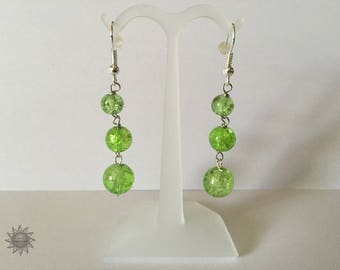 set of 2 green Crackle glass bead