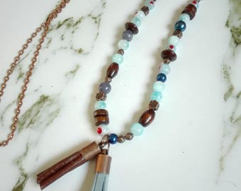 Copper, blue beaded necklace: copper/wood / glass/leather and suede
