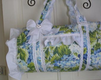 SHABBY CHIC BLUE HORTENTIAS BAG DECORATED WHITE BRODERIE ANGLAISE AND A DECORATED BOW BATISTE RUFFLE