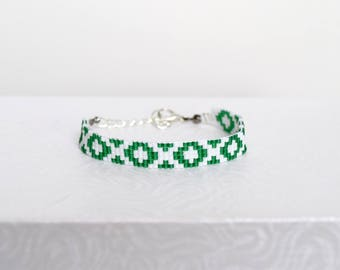 Snow white and green woven bracelet