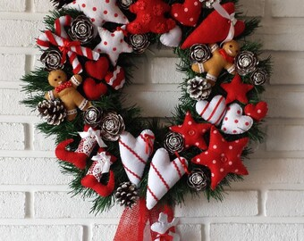 Christmas wreath in red and white felt